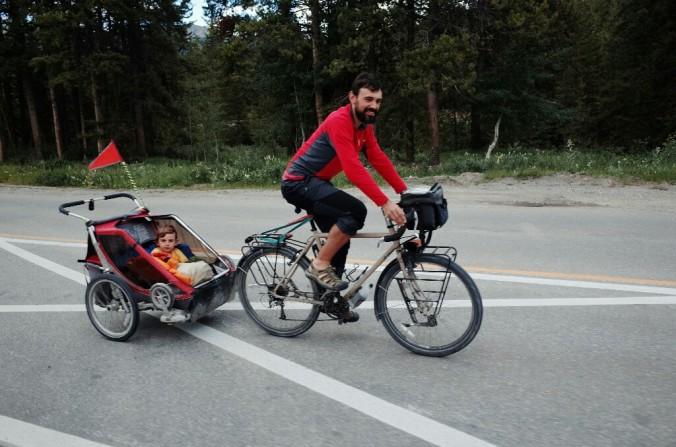 Alvaro in Lucas, ki skupaj z ženo Alicio že lep čas potujejo po svetu.
